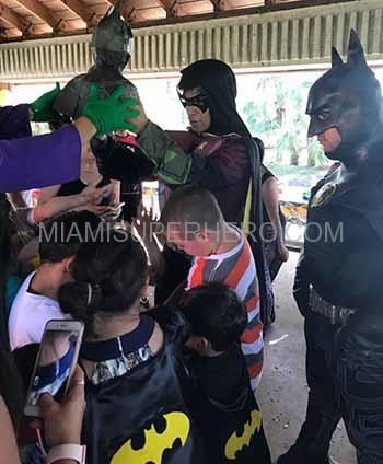 robin superhero kids party