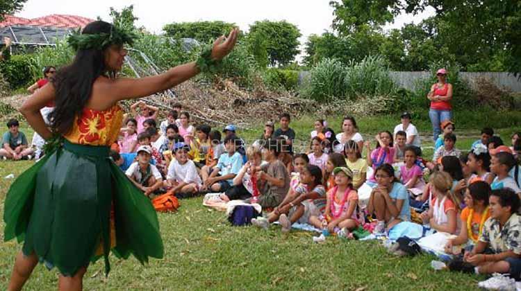 hula dancer miami