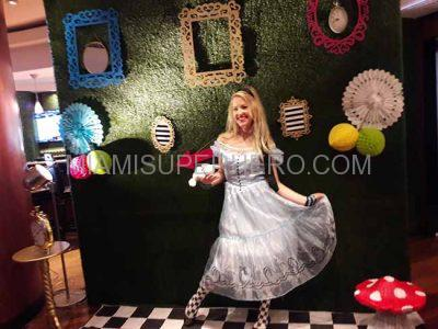 alice and wonderland party